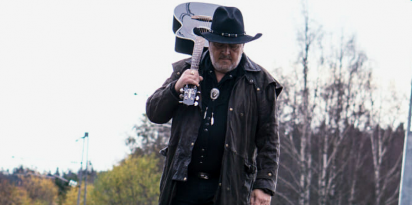 CountryLørdag: Arly Karlsen